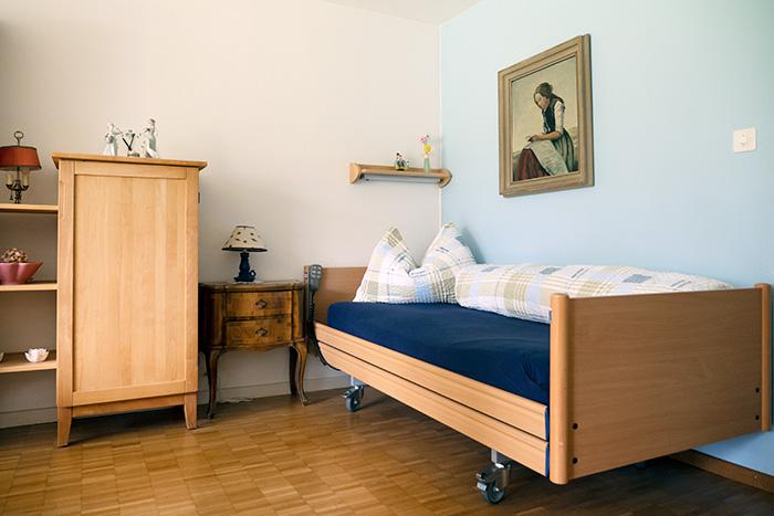 Nostalgisch eingerichtetes Zimmer zur Schlafmöglichkeit