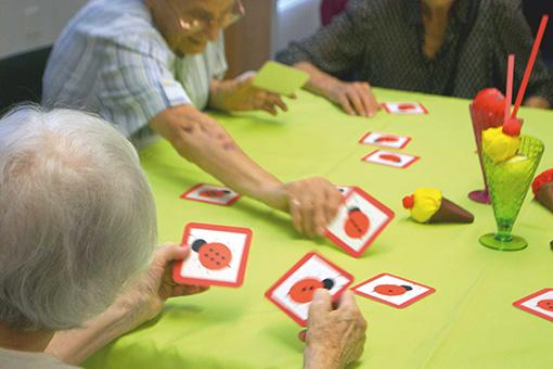 Spiele sorgen für sozialen Austausch und Geselligkeit